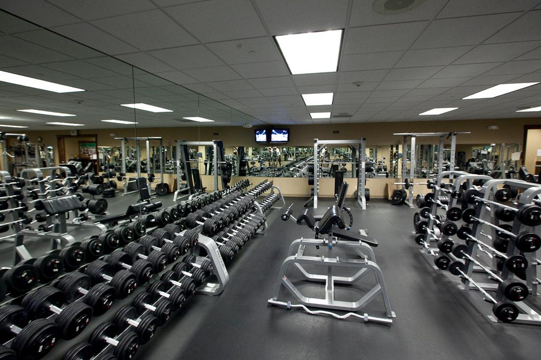 Multi joint exercises athletic performance training center