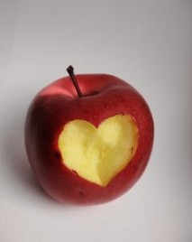 apple-heart-2_21108671[1]
