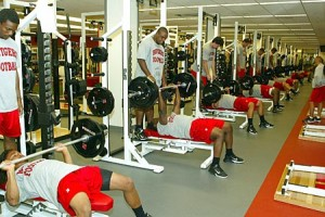 Football-Team-Lifting-300x200[1]